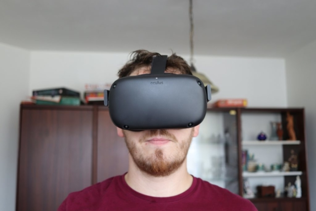 Oculus Quest - Front View